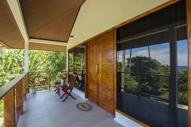 bungalow-balconies.jpg