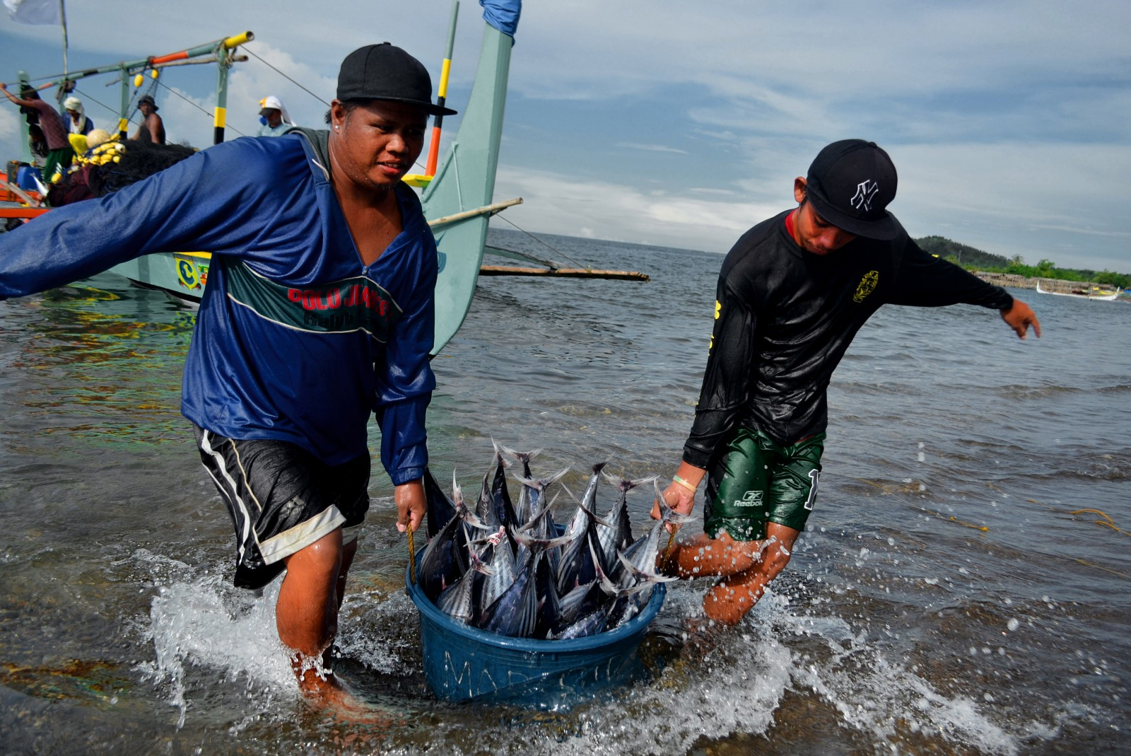 fishing practices of the philippines Factors affecting the adoption of sustainable tuna fishing practices: the case of municipal fishers in maasim, sarangani province, region 12, philippines.