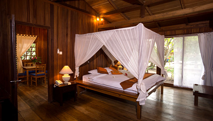 villa-bedroom1.jpg